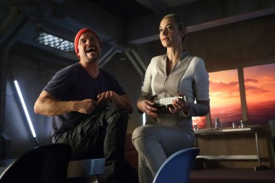 June 21, 2017: Dark Matter – Backstage On 3.01 And 3.02!  Looking Ahead To 3.04!