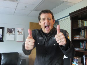 Luis gives Stargate fans the thumbs up!