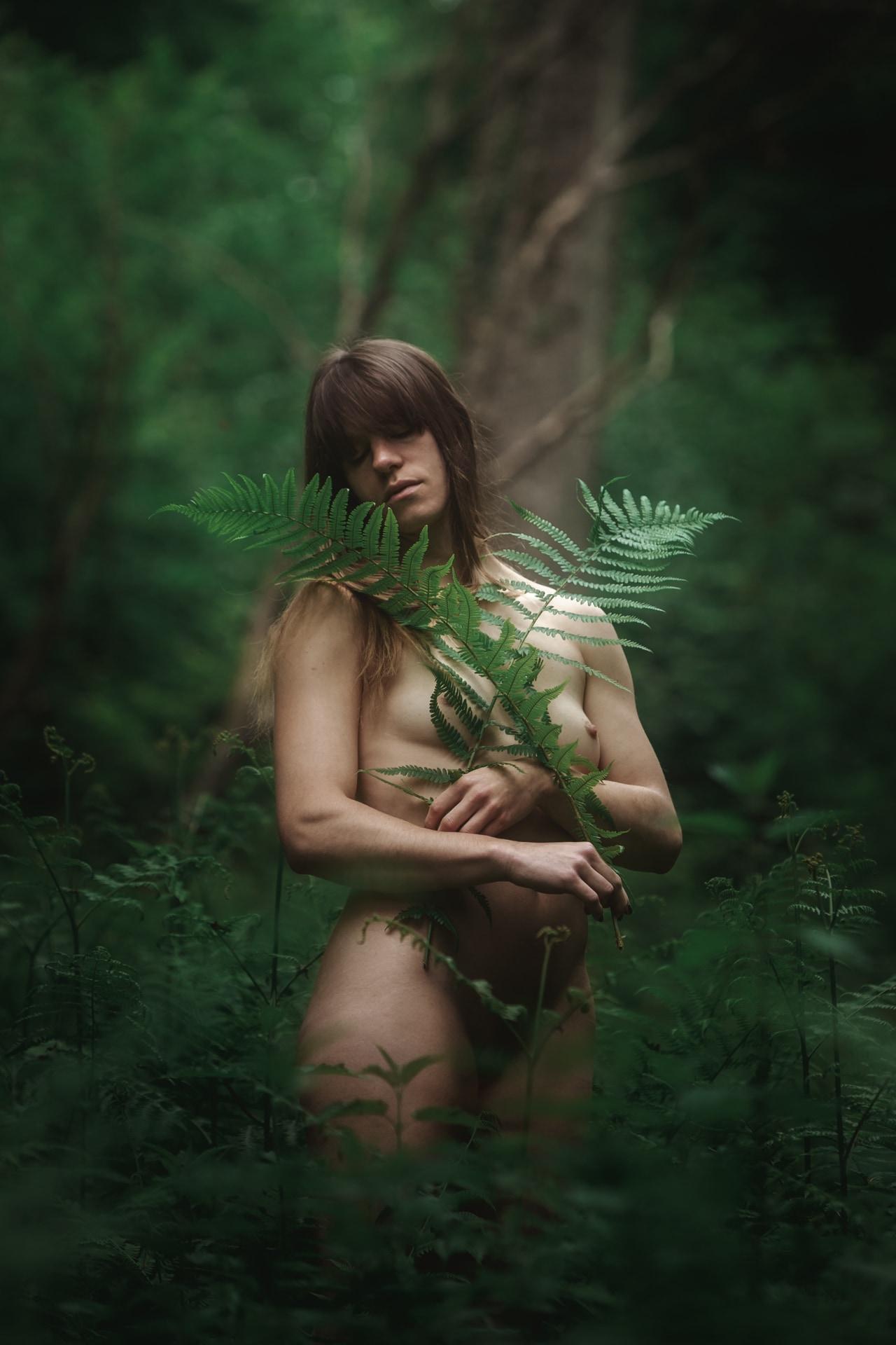 Mél - Forest - v1-photo-foret-nue-artistique-fougere-4