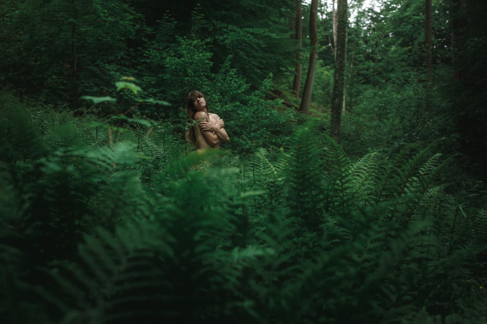Mél – Forest – v1-photo-foret-nue-artistique-fougere–5