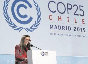 La presidenta Carolina Schmidt en una intervención en la cumbre.  https://periodistas-es.com/cop25-concluye-sin-respuestas-a-la-emergencia-climatica-137494