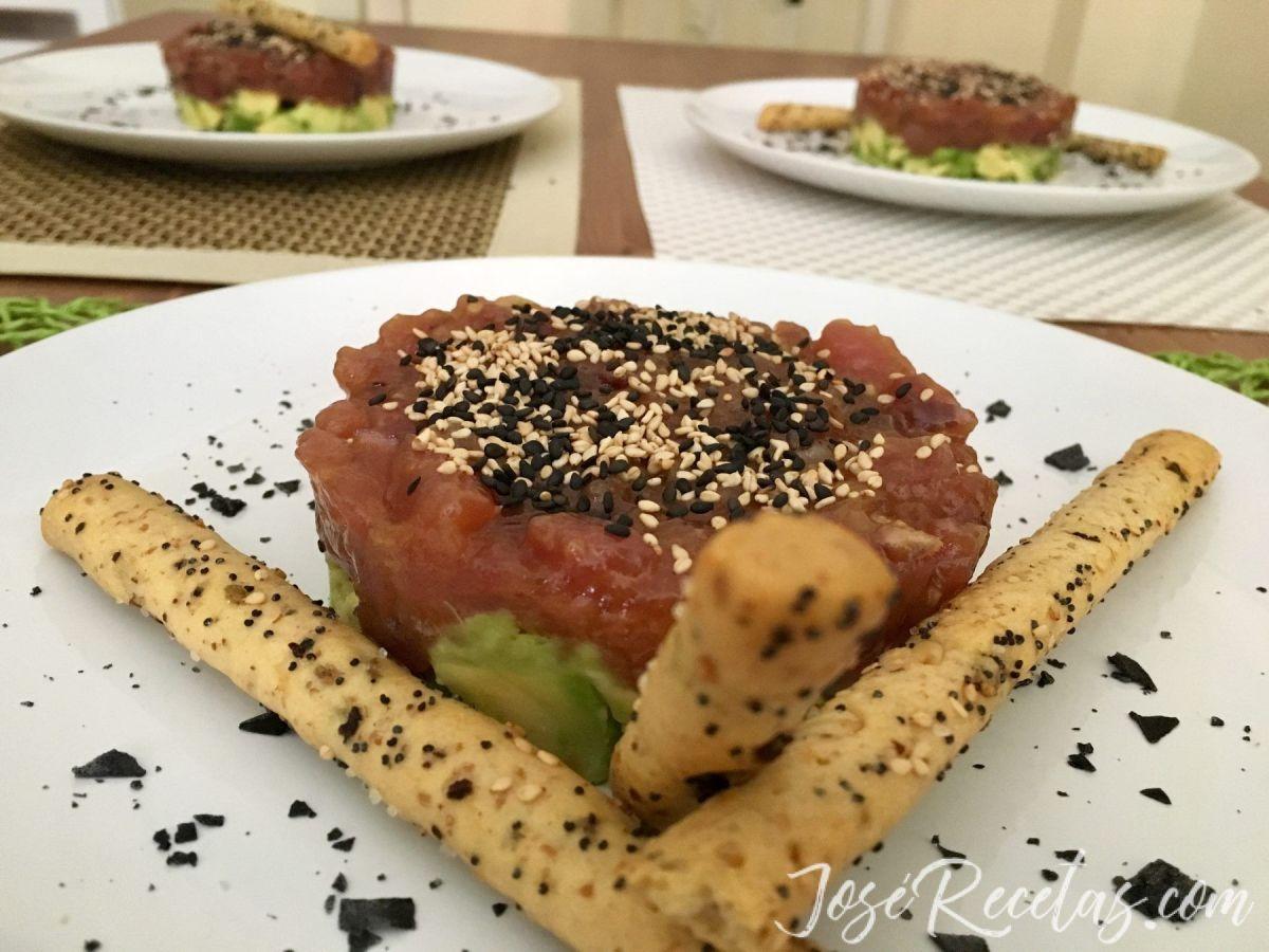 Tartar de atún rojo con aguacate, la receta con la que triunfarás