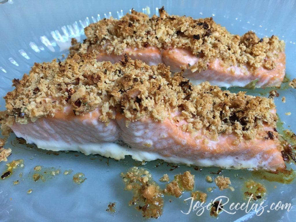salmón recién sacado del horno