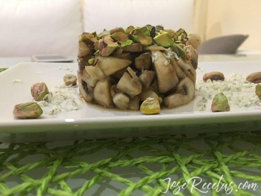 timbal de setas y pistachos