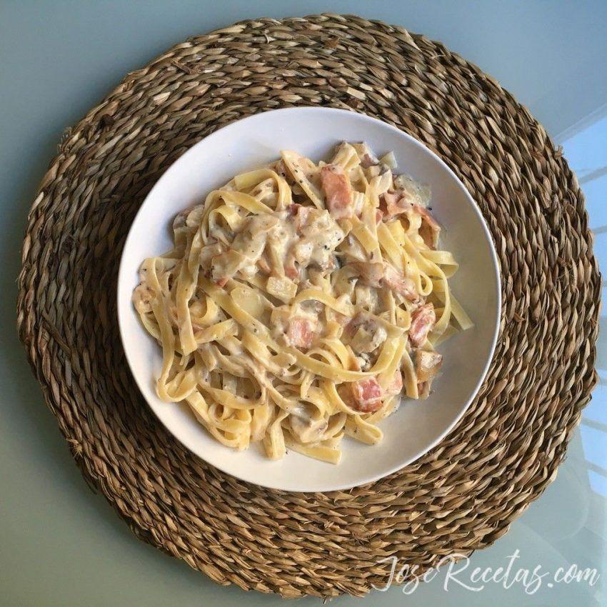presentación plato de pasta