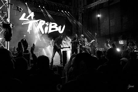 La tribu en concierto