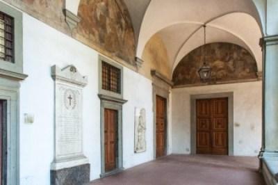 Tuscany - Oltrarno's Santa Maria del Carmine cloister.