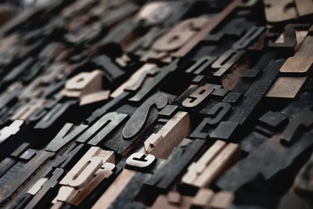 wooden-letter-and-number-stamps