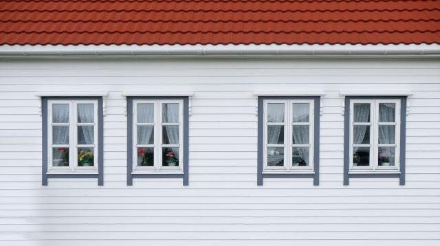four-windows-on-a-white-house