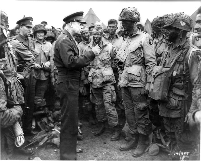Eisenhower with paratroopers before d-day