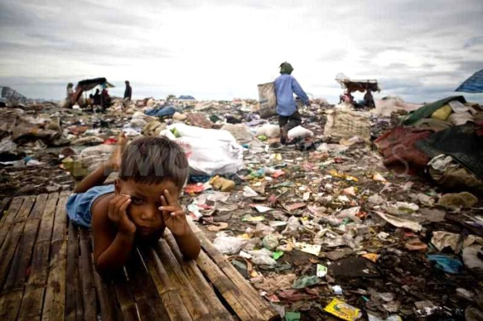 people-living-in-a-garbage-dump-in-cambodia_35378