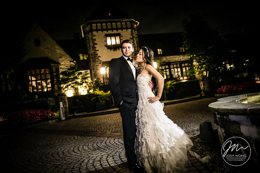 Pleasantdale Chateau Wedding. Wedding Pictures by Renowned Wedding Photographer Josh Wong Photography
