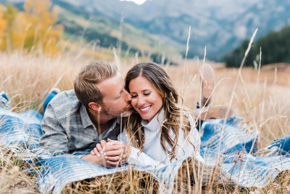 Colorado Engagement photos in fall on blanket
