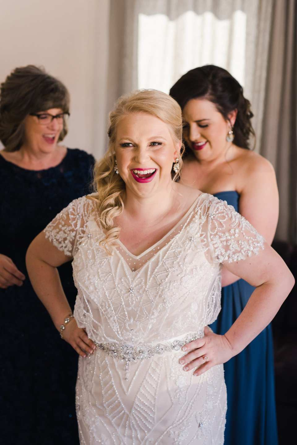 Bride in BHLDN wedding dress gets ready | Josie V Photography