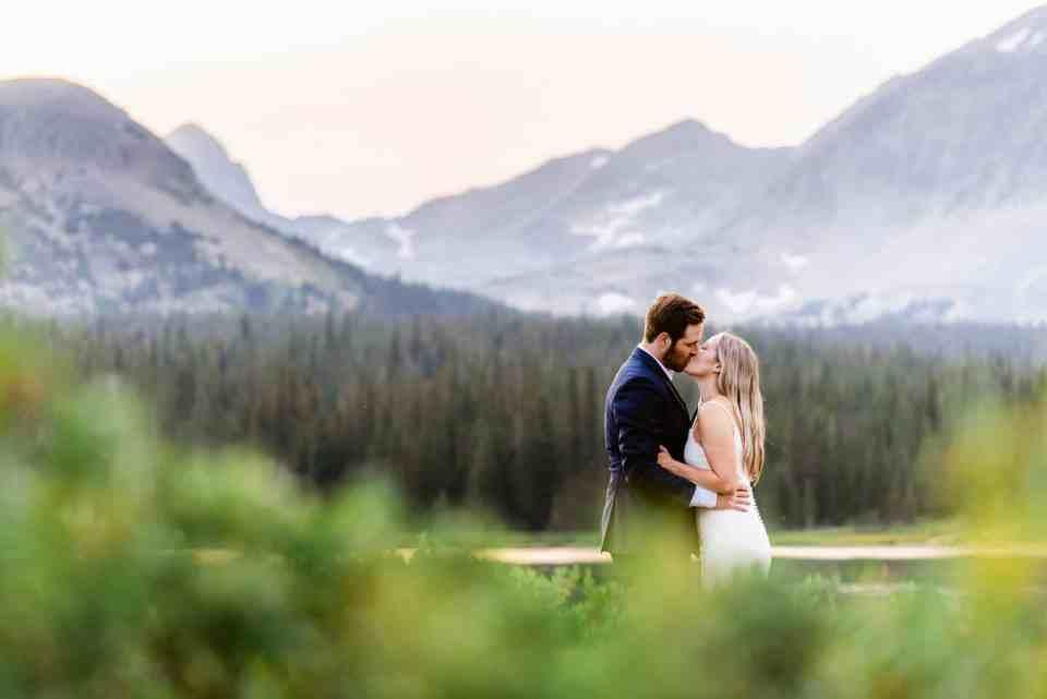 Vibrant Colorado Elopement Photography | Josie V Photography