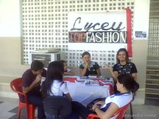 O posto de inscrição do Lyceu Top Fashion, que foi montado em frente ao refeitório do Lyceu.