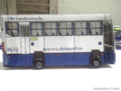 Miniatura feita por Cláudio Paradyso, do blog Ônibusgrafia, em Campina Grande.