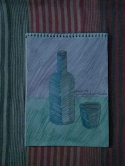 Copo e garrafa.