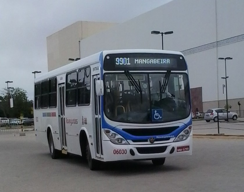 O ônibus da linha 9901-Valentina/Mangabeira.
