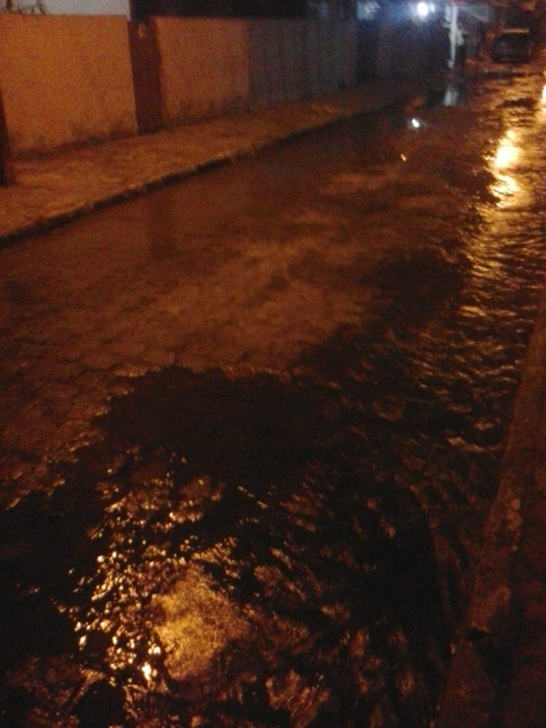 E a água desce a rua...