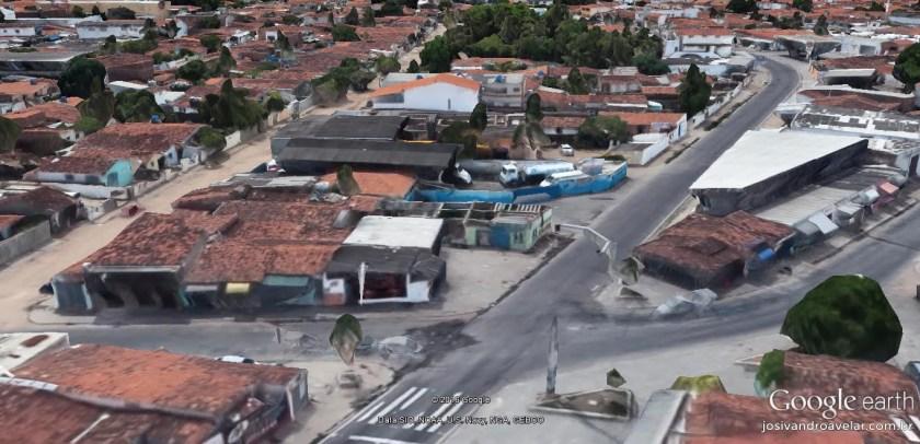 Cruzamento bisonho das ruas Romeu Rangel e Elias Cavalcanti de Albuquerque. Sem mais.
