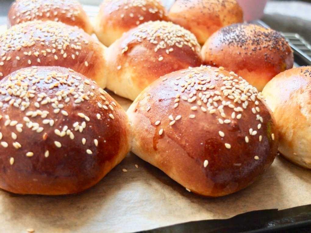 Easy Yoghurt Bread Rolls
