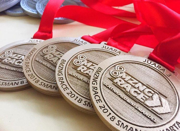 Sovenir Medali, sumber ig redesma_acrylic