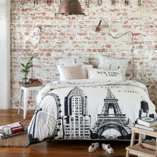 Обои с рисунком кирпича – кладка стены, фото в интерьере ...