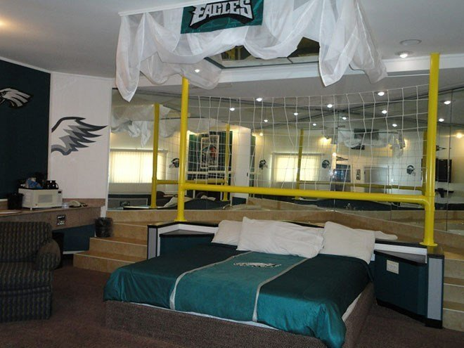 Best There's A 'Romantic *D*Lt Escape' Hotel With An 'Eagles With Pictures