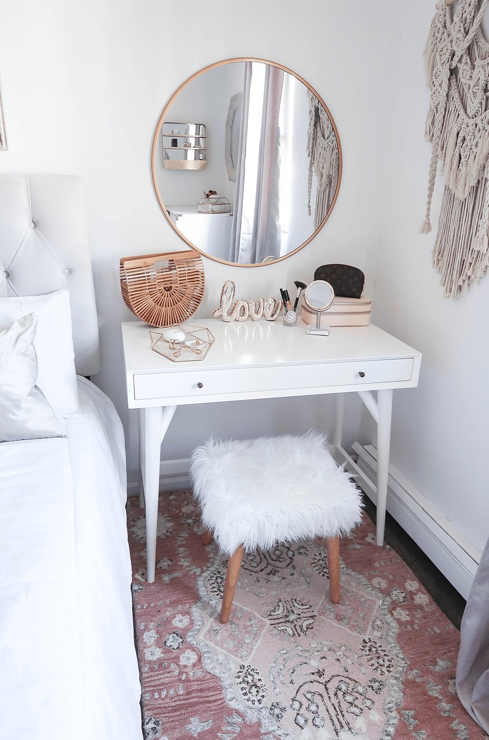 Best Styling A Vanity In A Small Space – Money Can Buy Lipstick With Pictures