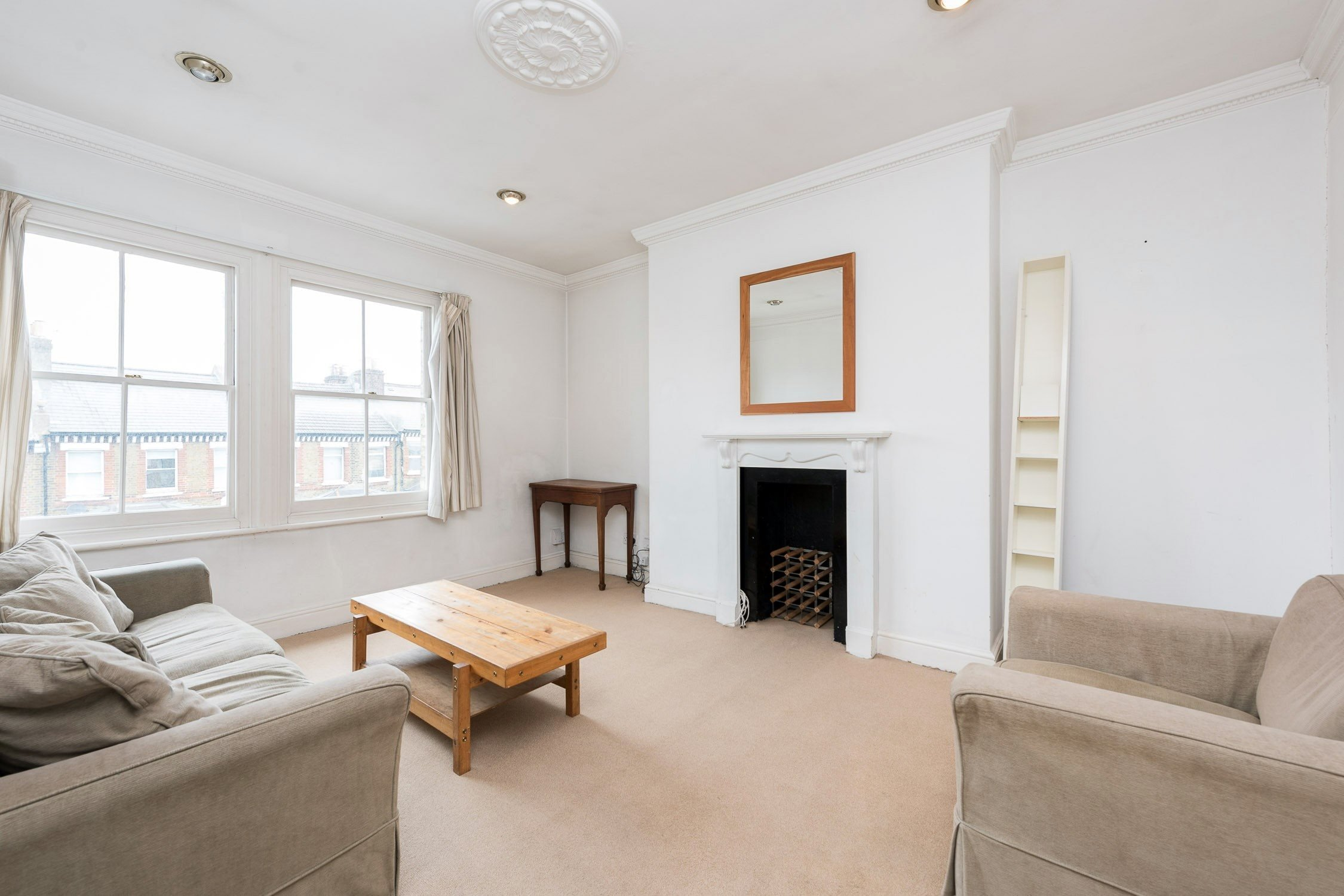 Best Portico 2 Bedroom Flat To Rent Under Offer In Battersea Battersea Rise Sw11 £395Pw With Pictures