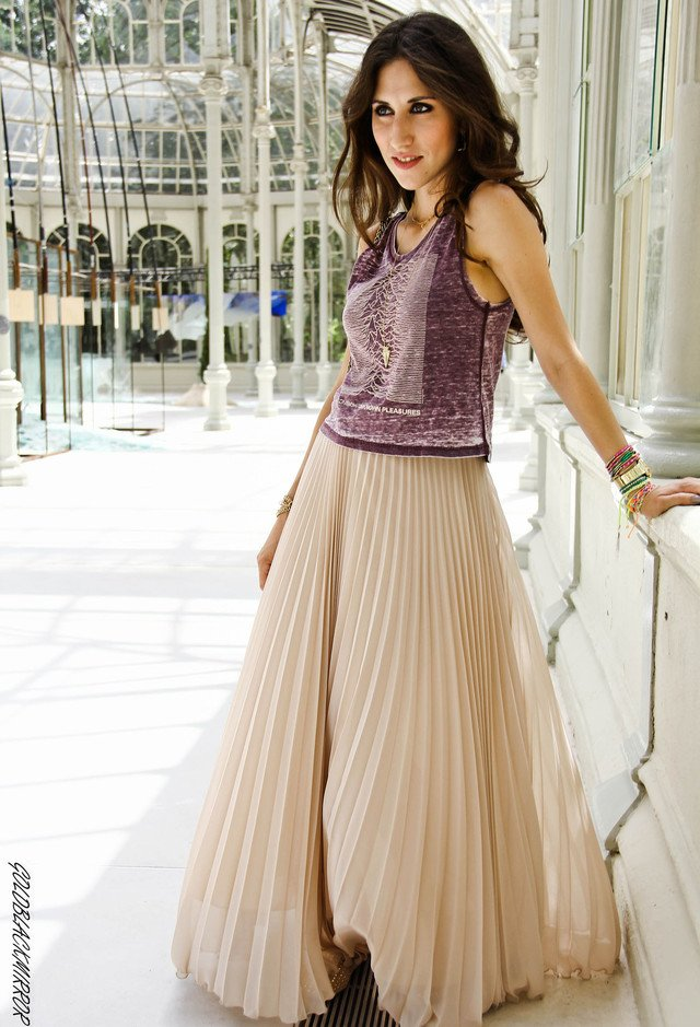 Free How To Wear Pleated Skirts Pretty Designs Wallpaper