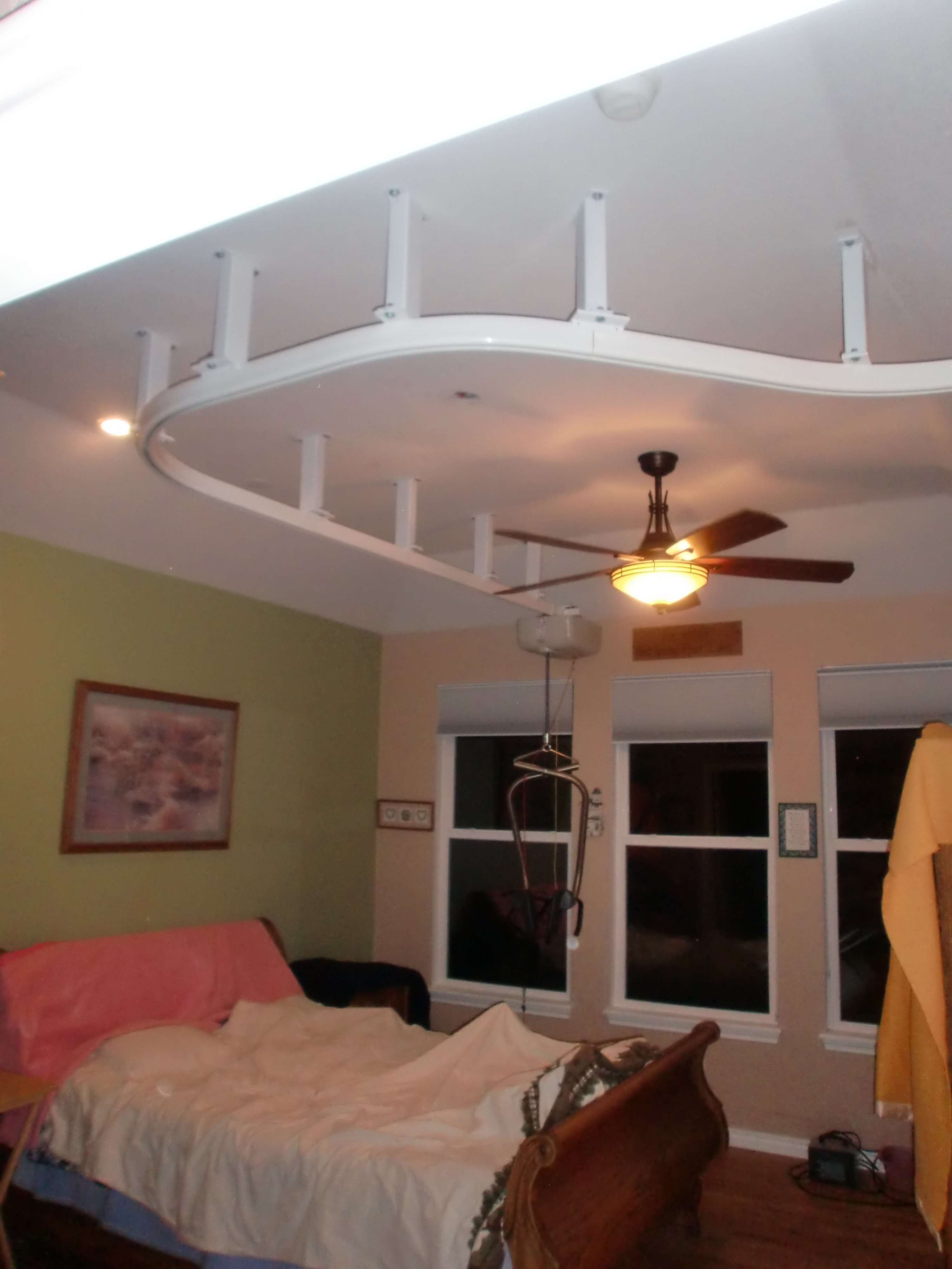 Best Suspended Ceiling Lift Goes From Bedroom To Bathroom In With Pictures
