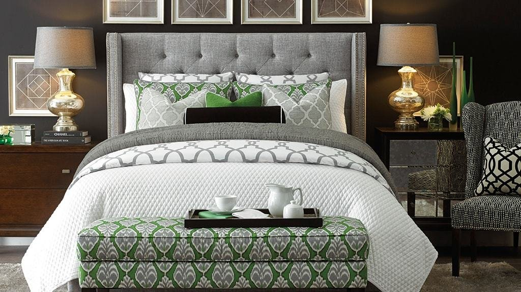 Best 5 Easy Tips For Arranging A Small Bedroom With Pictures