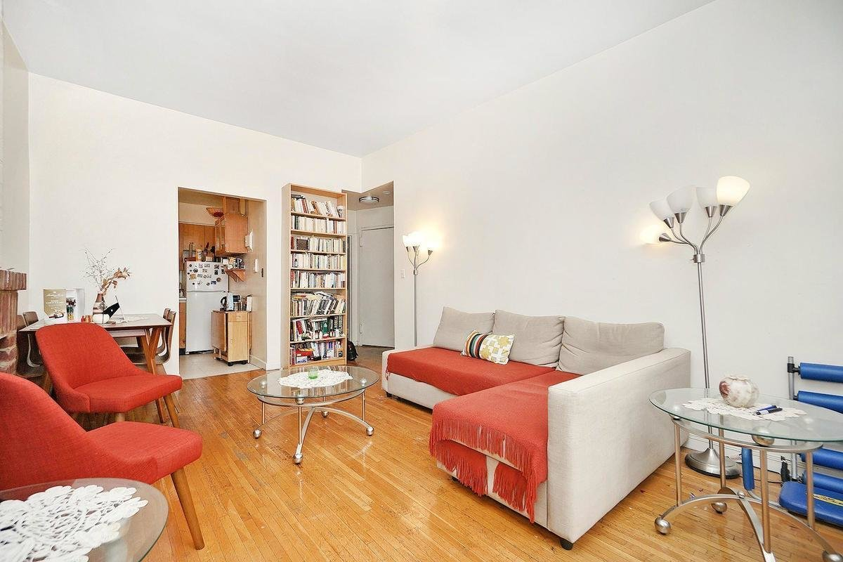 Best Would You Rent This One Bedroom Walk Up On The Upper West With Pictures