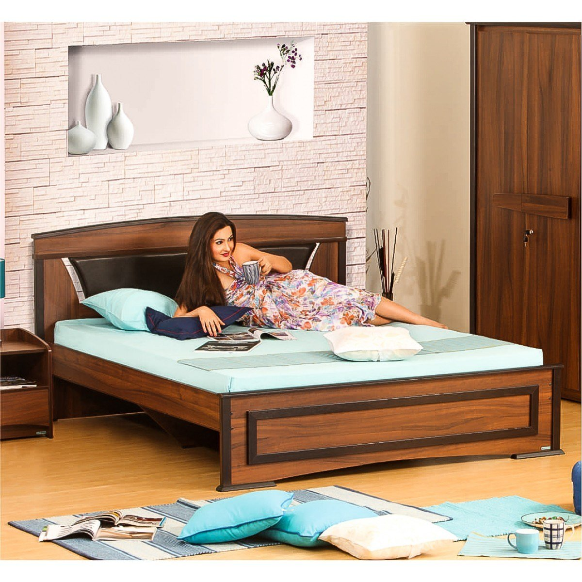 Best Feori 5 Piece Bedroom Set Damro With Pictures