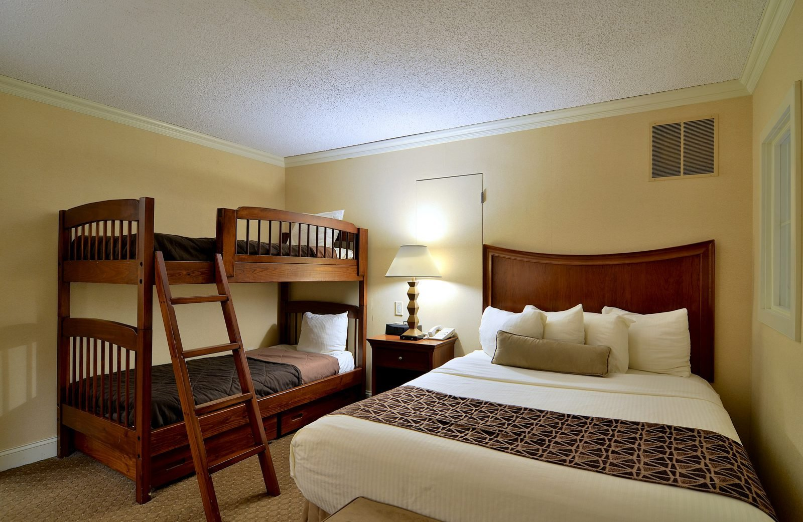 Best P*Nth**S* Accommodations In Lancaster Pa Enjoy A Two With Pictures