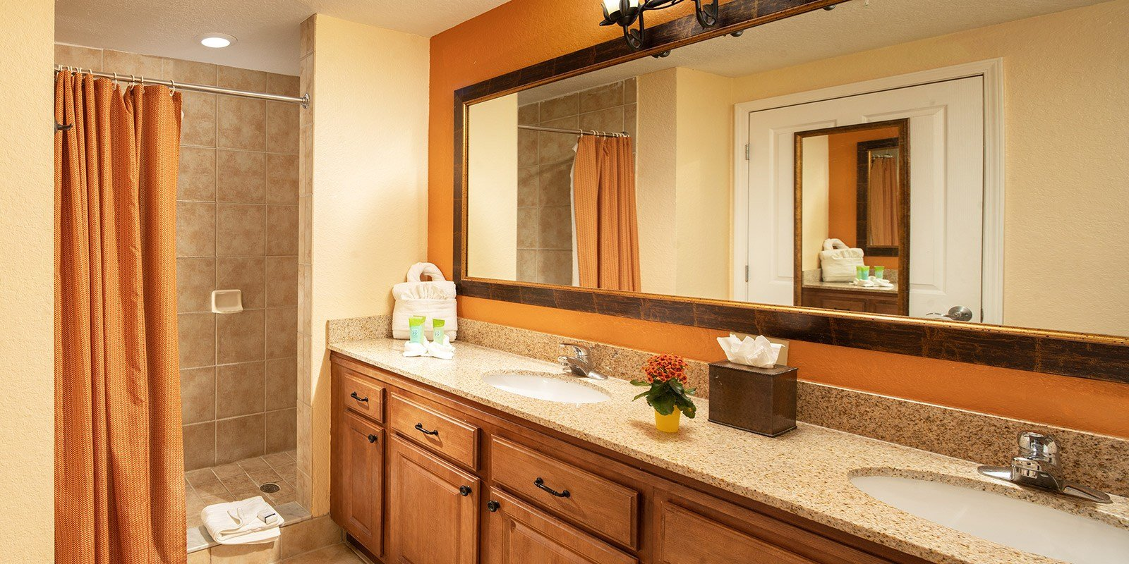Best Three Bedroom Suites In Orlando Fl Floridays Resort Orlando With Pictures