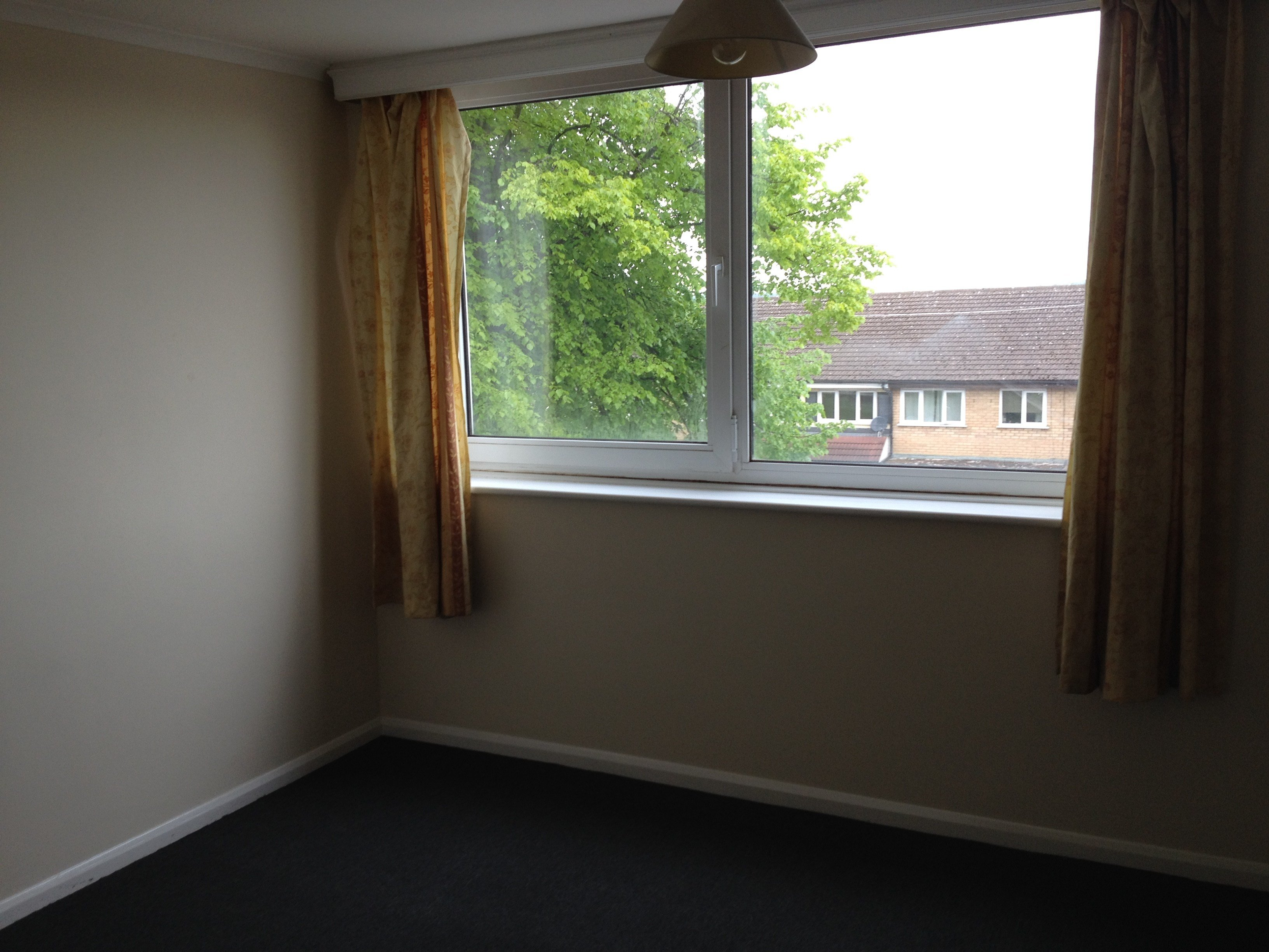 Best 2 Bed Flat To Rent Downs Road Luton Lu1 1Qn With Pictures