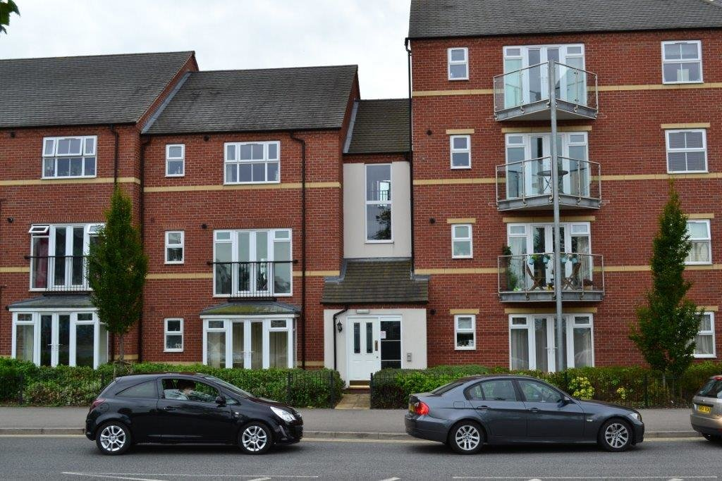 Best 2 Bed Flat Apartment P*Nth**S* To Rent Huxley Court With Pictures
