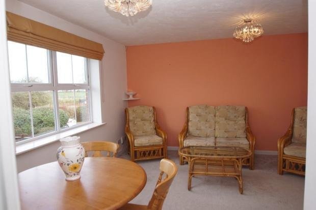 Best 2 Bed Flat To Rent Two Mile Drive Slough Sl1 5Uh With Pictures