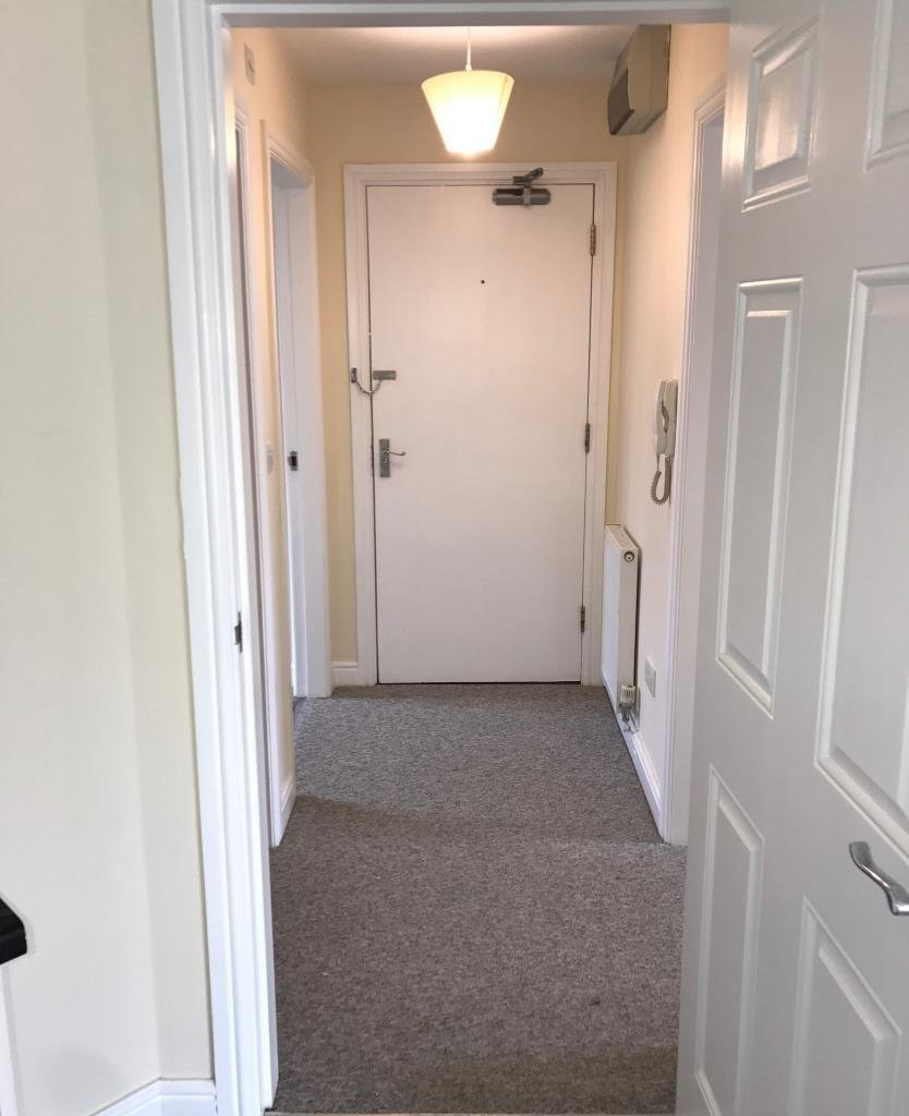 Best 2 Bed Apartment To Rent Elliman Avenue Slough Sl2 5Fg With Pictures