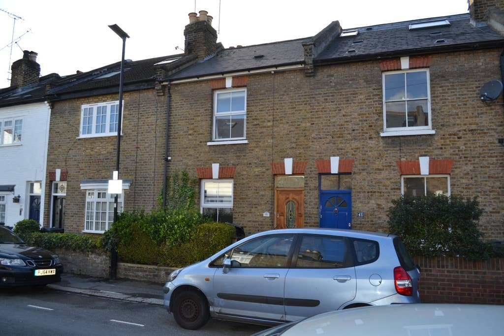 Best 2 Bedroom Cottage E London Townhouses For Rent In Hounslow England United Kingdom With Pictures