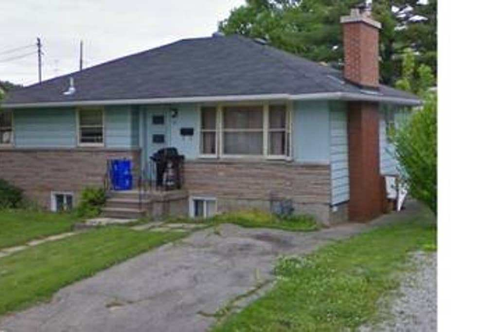 Best Mcmaster Student Home For Rent Houses For Rent In Hamilton Ontario Canada With Pictures