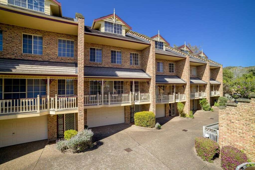 Best Three Bedroom Townhouse Terrigal Apartments For Rent In With Pictures