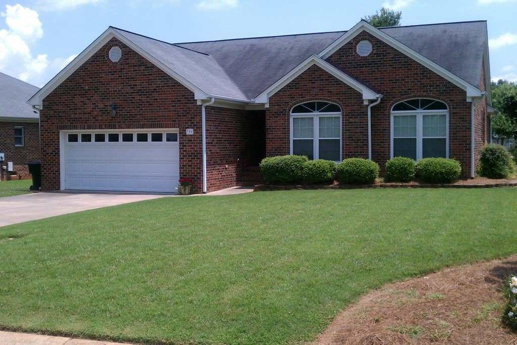 Best Home Away From Home Near Elon University Houses For Rent In Burlington North Carolina United With Pictures