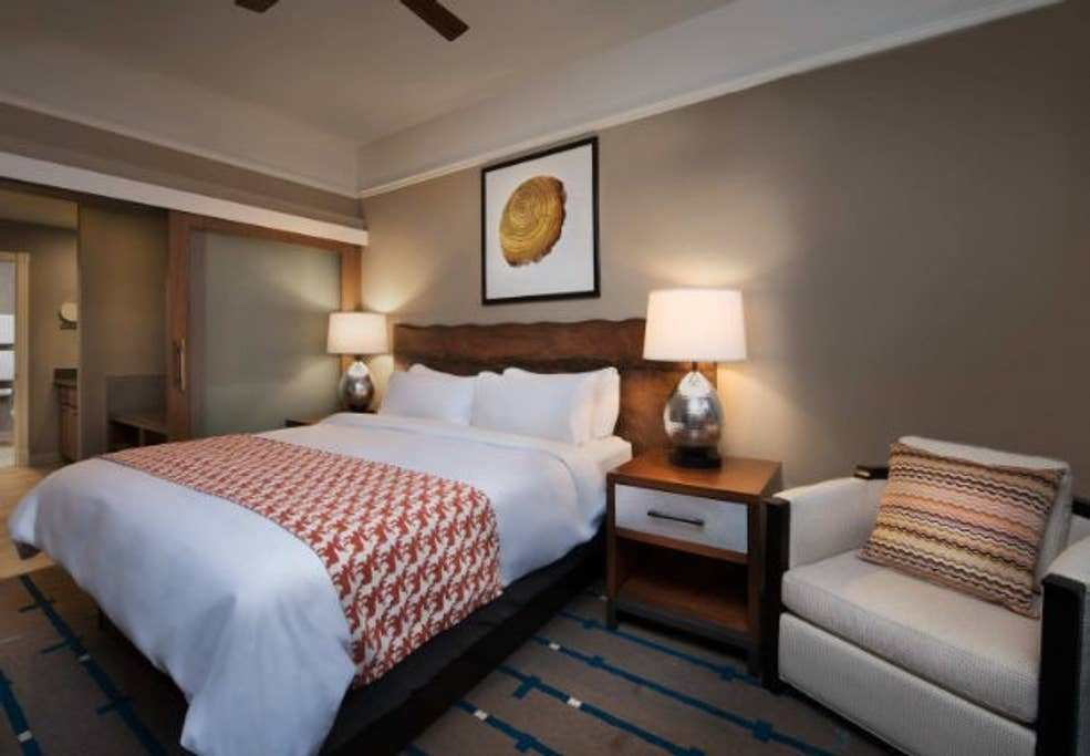Best 2 Bedroom Suite Main Street Marriott Summit Watch With Pictures