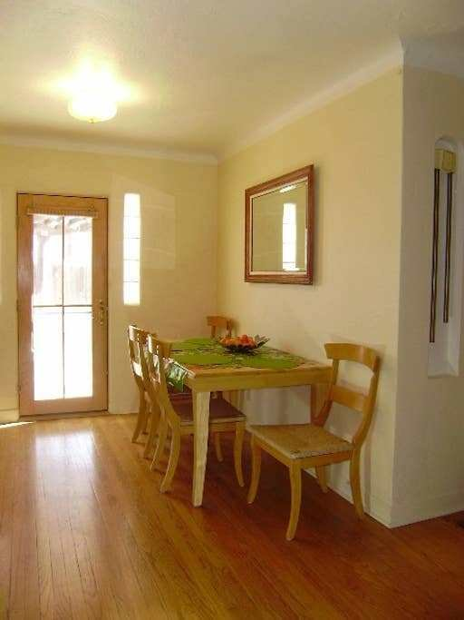 Best Abq Vintage N*B Hill 2 Bedroom Houses For Rent In With Pictures
