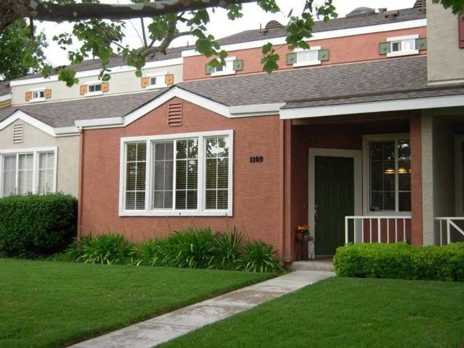 Best 2Br Townhouse In Downtown San Jose Townhouses For Rent With Pictures