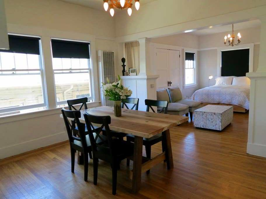 Best Bright Artistic Temescal Apartment Apartments For Rent With Pictures